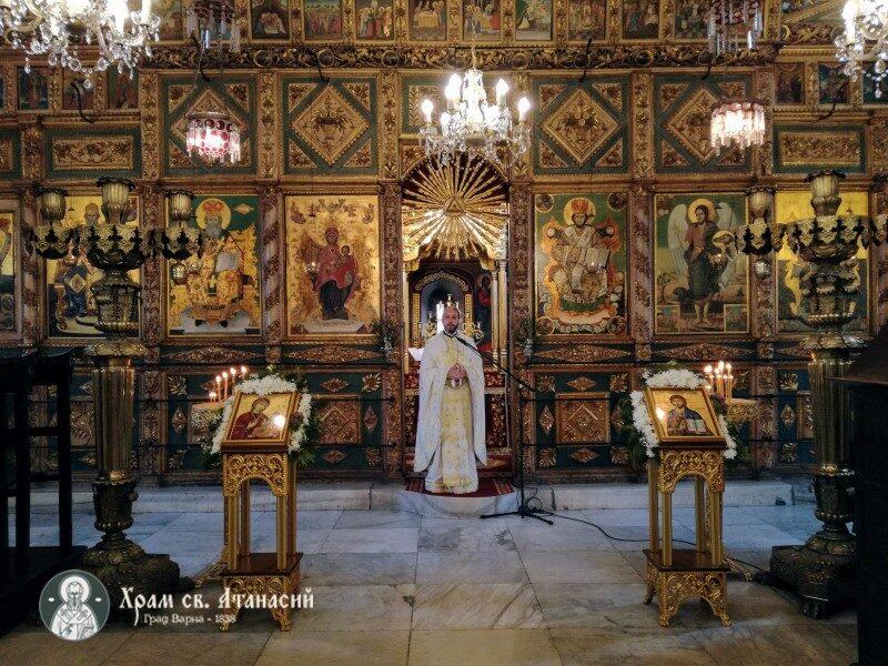 "Цветница в храм ""Св. Атанасий"" Варна"