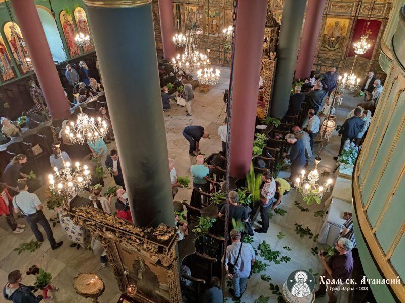 """Петдесетница в храм """"Свети Атанасий"""" - гр. Варна"""
